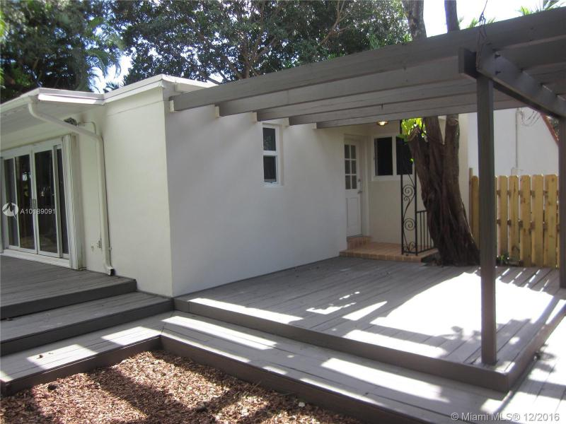 For Sale at  741 NE 114Th St Biscayne Park  FL 33161 - Griffing Biscayne Park Es - 2 bedroom 2 bath A10189091_13