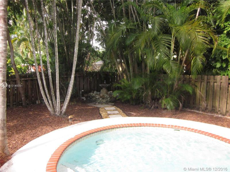 For Sale at  741 NE 114Th St Biscayne Park  FL 33161 - Griffing Biscayne Park Es - 2 bedroom 2 bath A10189091_18