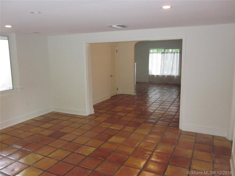 For Sale at  741 NE 114Th St Biscayne Park  FL 33161 - Griffing Biscayne Park Es - 2 bedroom 2 bath A10189091_3