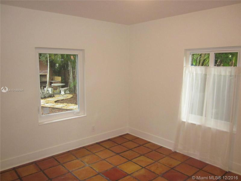 For Sale at  741 NE 114Th St Biscayne Park  FL 33161 - Griffing Biscayne Park Es - 2 bedroom 2 bath A10189091_6