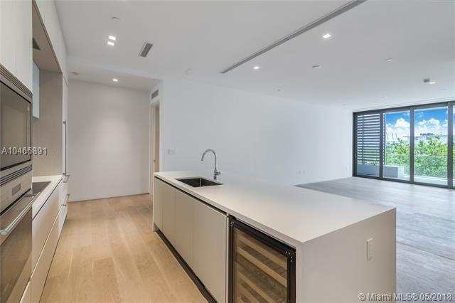 LOUVER HOUSE CONDO - Miami Beach - A10465891