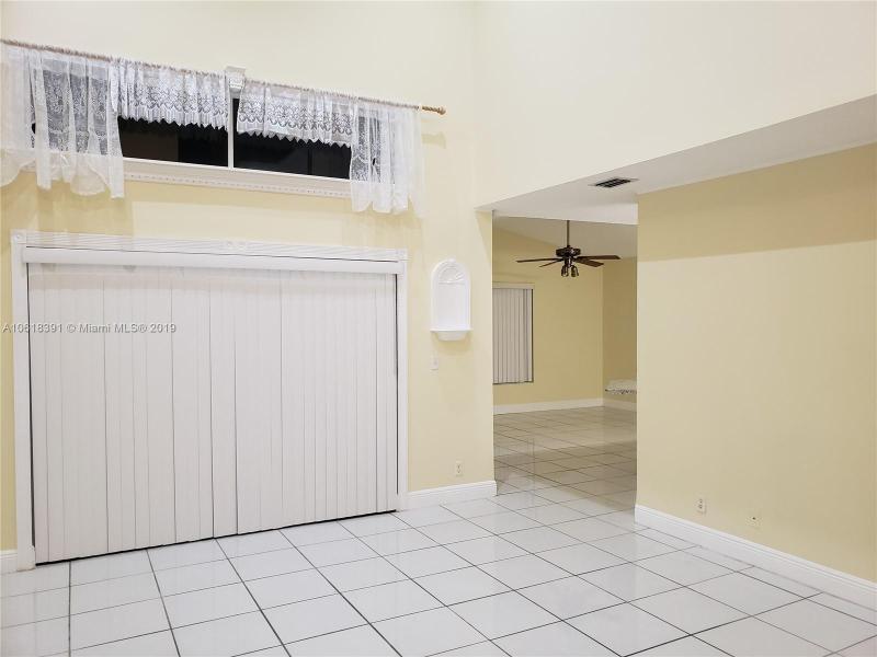 1908 SW 177th Ave  Miramar, FL 33029-5249 MLS#A10618391 Image 6