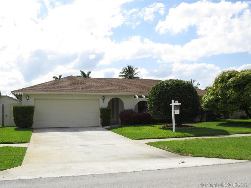 765 42nd Way, Deerfield Beach FL 33442-9221