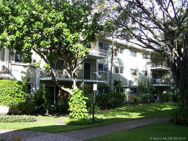 3030 5th Ter  Unit 12, Wilton Manors, FL 33334