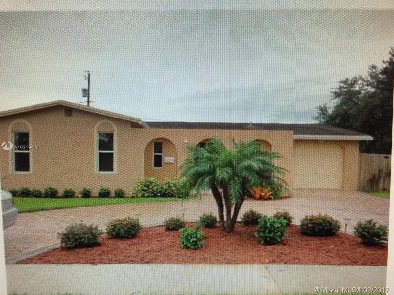 11355 Point Dr , Cooper City, FL 33026