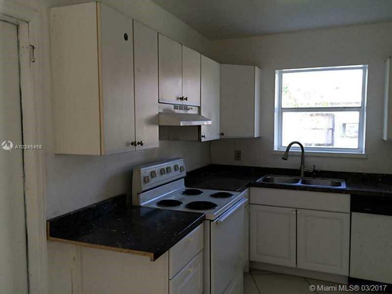 For Sale at  17020 NE 6Th Ct North Miami Beach  FL 33162 - 1St Addn To Panuleta Gard - 3 bedroom 2 bath A10245458_4