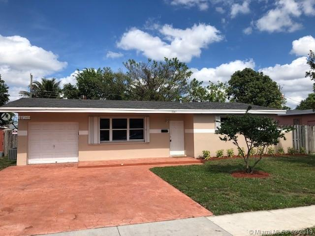 8570 NW 24th Ct , Sunrise, FL 33322-3326