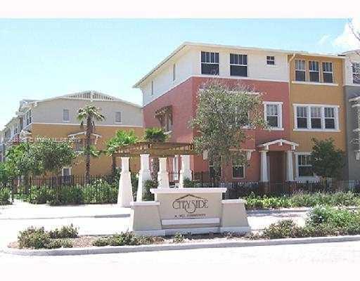 930  Millbrae Ct , West Palm Beach, FL 33401-8471