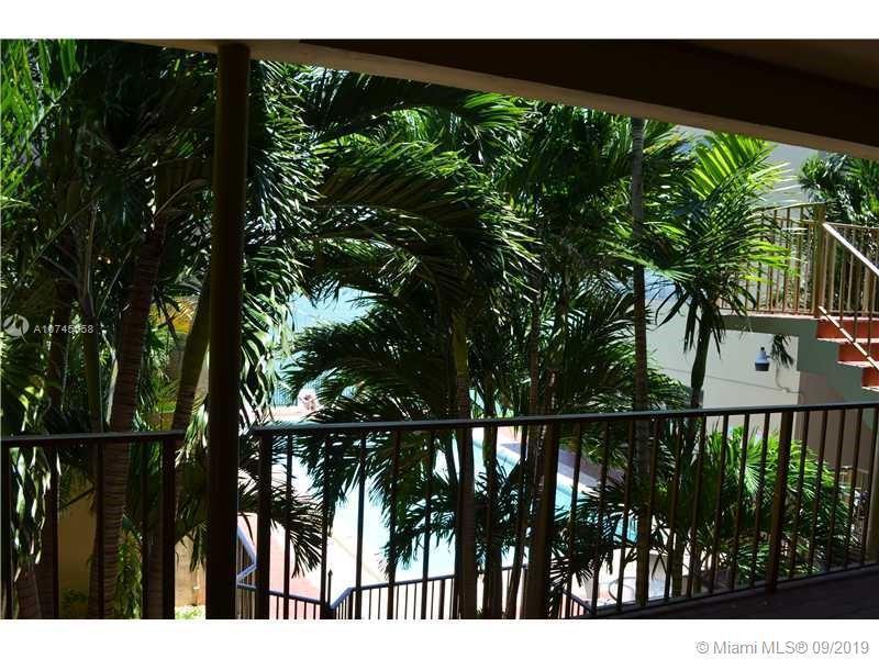 7945 East Dr 206, North Bay Village, FL, 33141