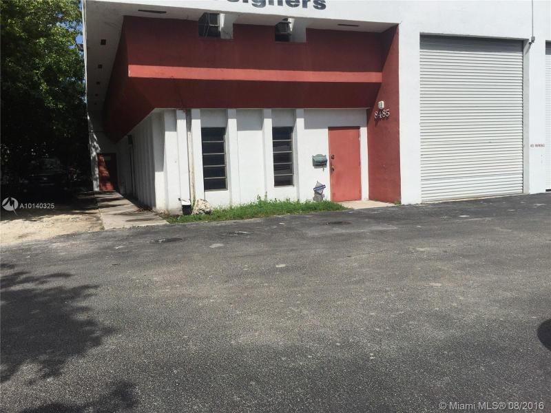 Doral Commercial A10140325