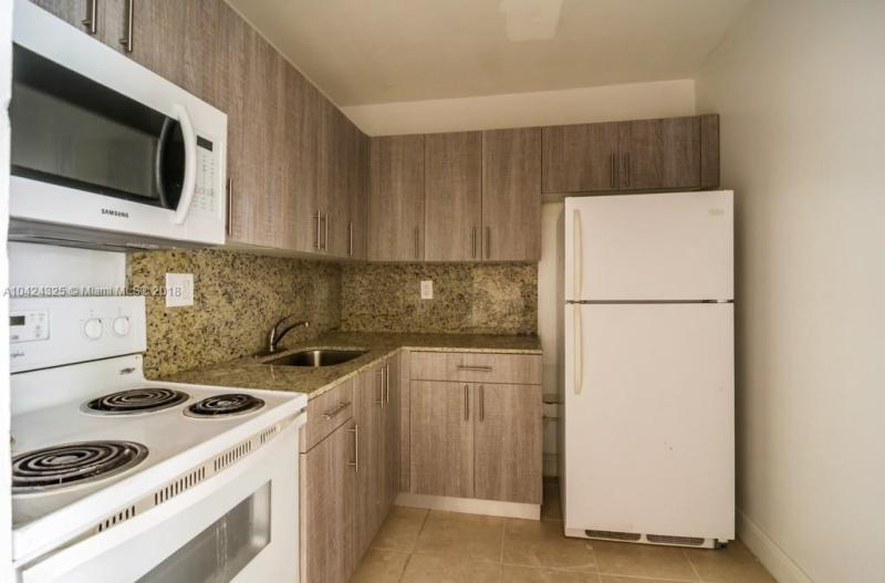 Residential Rental En Rent En Broward     , Hollywood, Usa, US RAH: A10424325