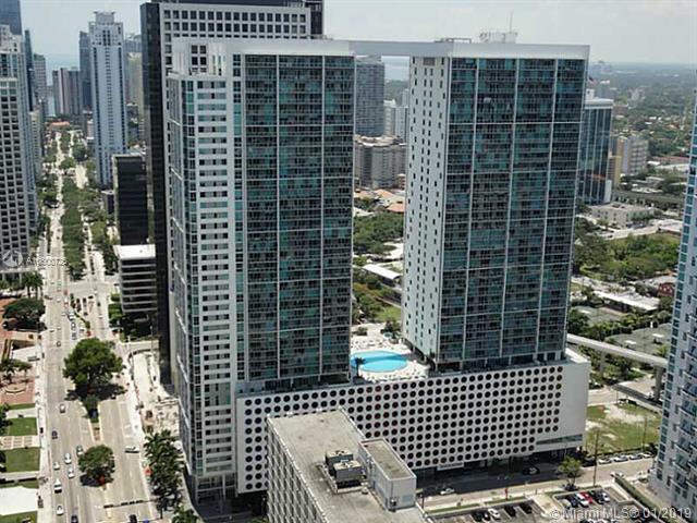 500  BRICKELL AV,  Miami, FL