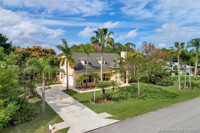 5687 SE Graham Drive , Stuart, FL 34997-1543