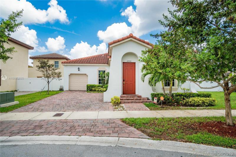 16941 SW 91st Lane Cir,  Kendall, FL