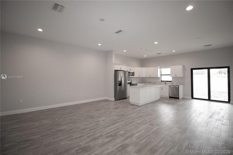 9259 NW 16th St, Pembroke Pines, FL, 33024