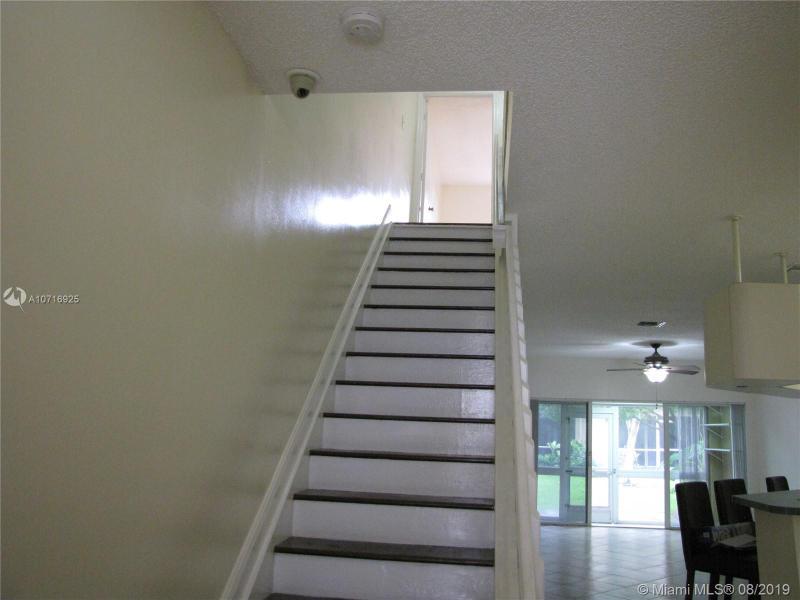 304 SW 120th Ave 304, Pembroke Pines, FL, 33025