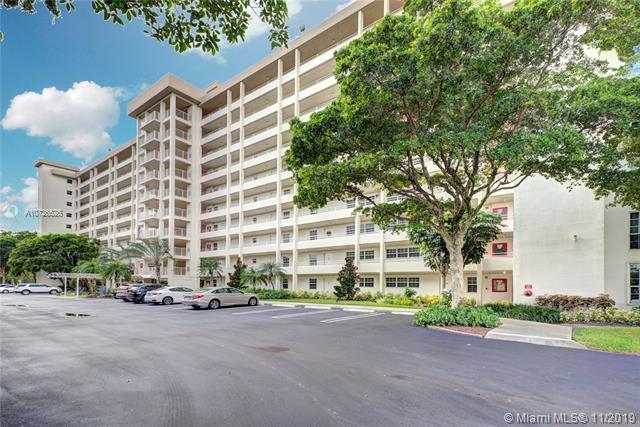575  Oaks Ln,  Pompano Beach, FL