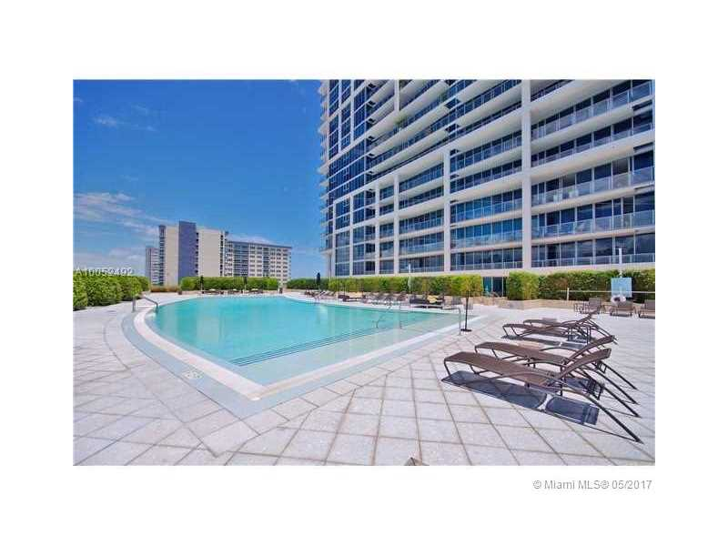 6899 Collins Ave