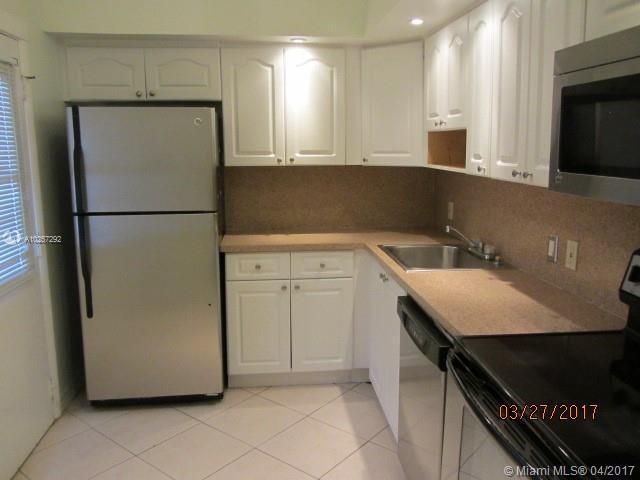 For Sale at  3301 N Country Club Dr #408  Miami  FL 33180 - Bravura I - 2 bedroom 2 bath A10257292_4