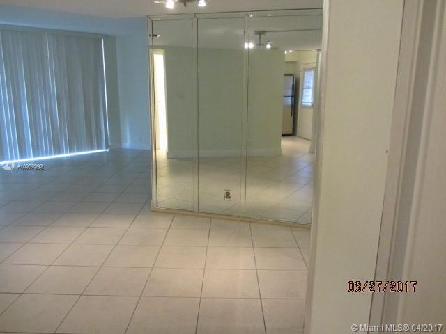 For Sale at  3301 N Country Club Dr #408  Miami  FL 33180 - Bravura I - 2 bedroom 2 bath A10257292_6