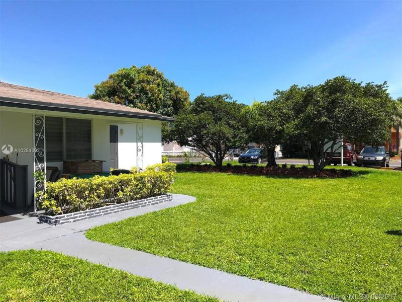 1843 Dewey Street  Unit 110, Hollywood, FL 33020