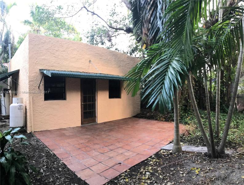 33  SALAMANCA AVE  Unit 2, Coral Gables, FL 33134-
