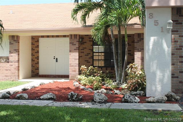 600 Lakeshore Terrace, Davie FL 33325-