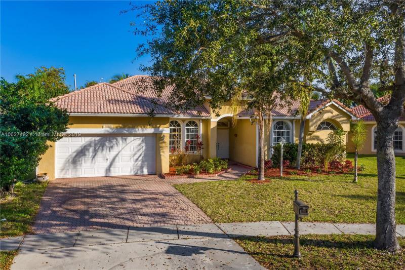 1666 NW 143rd Way , Pembroke Pines, FL 33028-3009