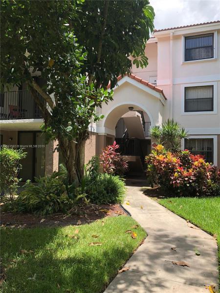 731 N Pine Island Rd  Unit 103, Plantation, FL 33324-1314