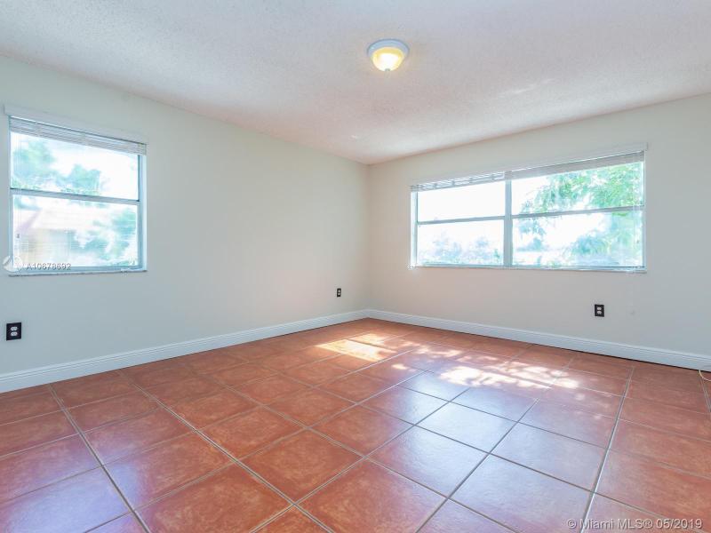 7110 NW 169 St, Hialeah, FL, 33015