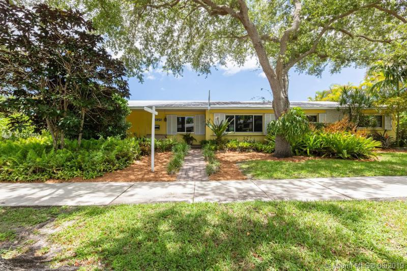11825 SW 107 ave,  Miami, FL