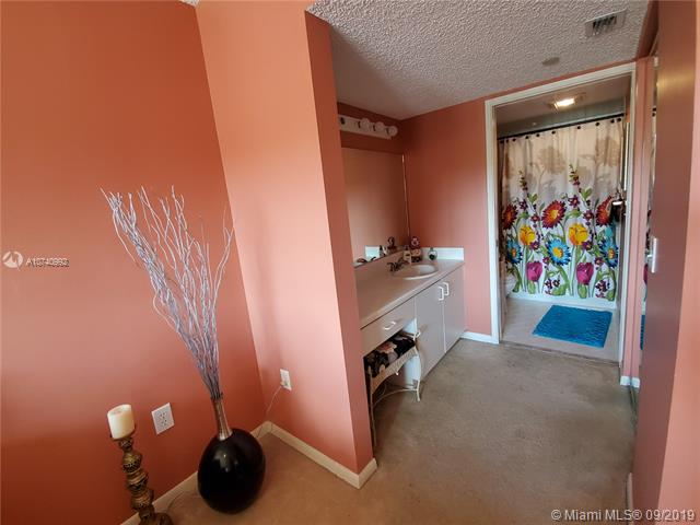 700 SW 137th AVE 305H, Pembroke Pines, FL, 34027