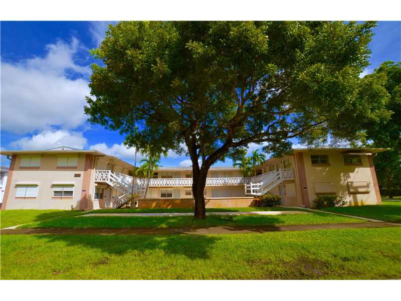Hollywood Condo/Villa/Co-op/Town Home A10159159
