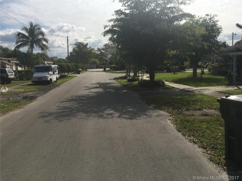 For Sale at  1131 NE 154Th Ter North Miami Beach  FL 33162 - Breezeswept Heights - 3 bedroom 2 bath A10253559_3