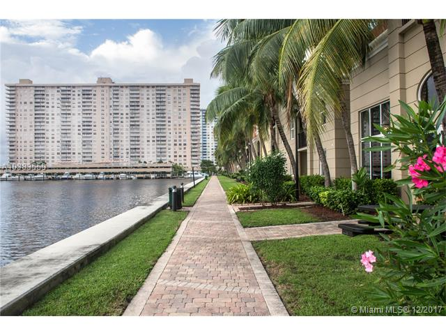 Imagen 11 de Townhouse Florida>Sunny Isles Beach>Miami-Dade   - Sale:375.000 US Dollar - codigo: A10383559