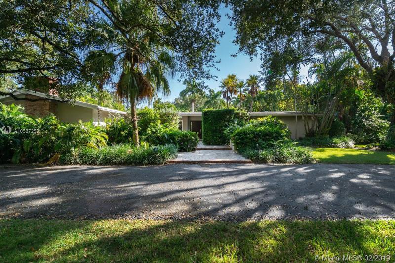 8125 SW 52nd Ave,  Miami, FL