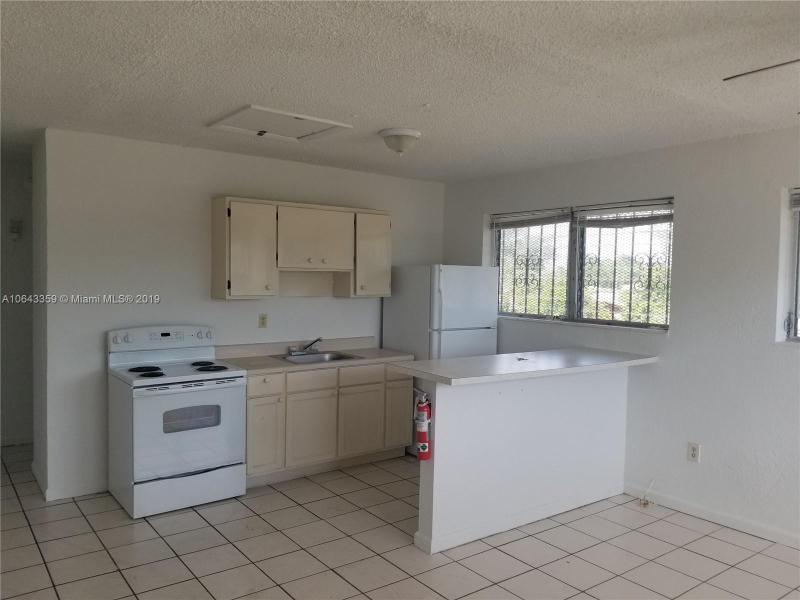 2987 NW 46th St,  Miami, FL
