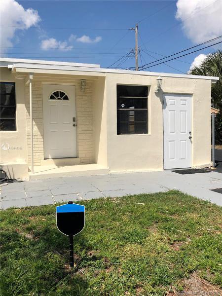 2633 NE 14th Ave,  Pompano Beach, FL