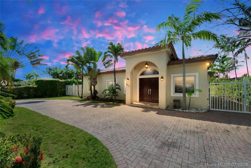 6480 SW 82 St, Coral Gables in Miami-Dade County, FL 33143 Home for Sale