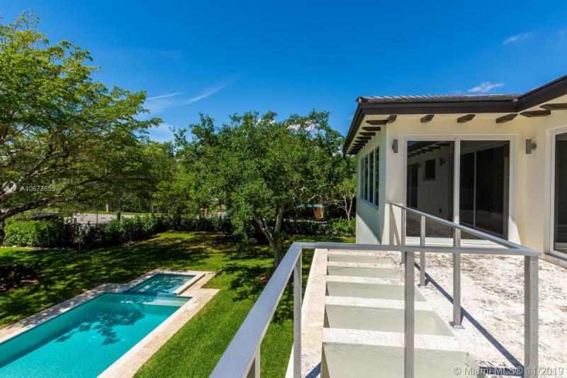 7615 Ponce De Leon Rd, Miami, FL, 33143