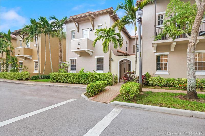 869 SW 146th Ter 869, Pembroke Pines, FL, 33027