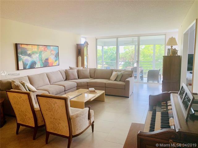 3930 Oaks Clubhouse Dr 403, Pompano Beach, FL, 33069