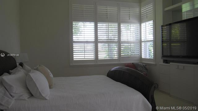 1144 Crystal Dr, Palm Beach Gardens, FL, 33418