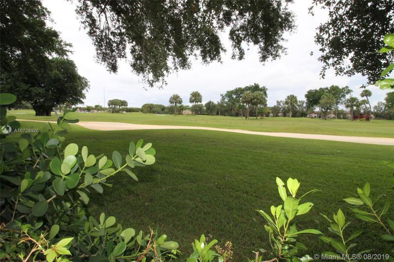 900 Saint Charles Pl L6, Pembroke Pines, FL, 33026