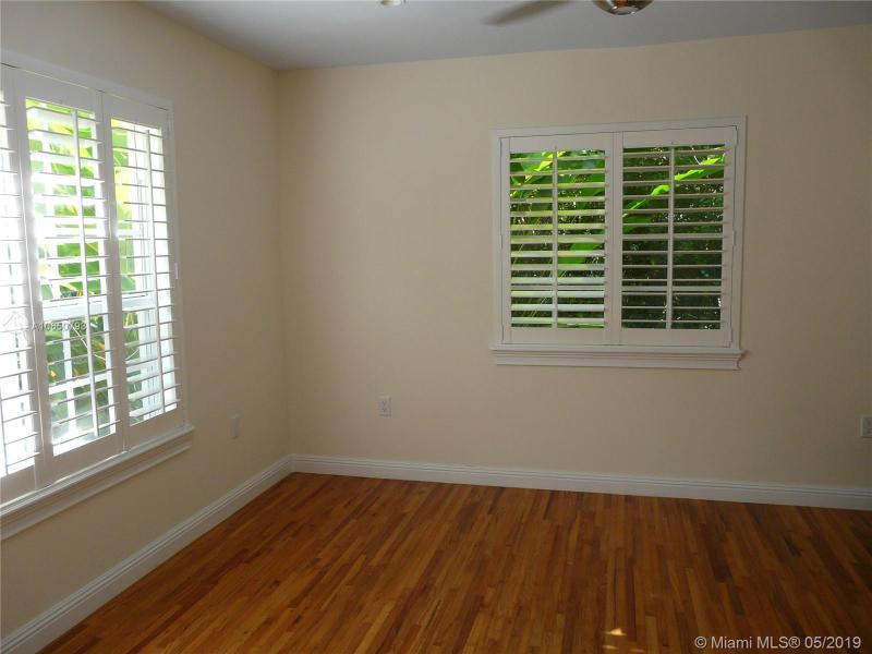 621 Santurce Ave, Coral Gables, FL, 33143