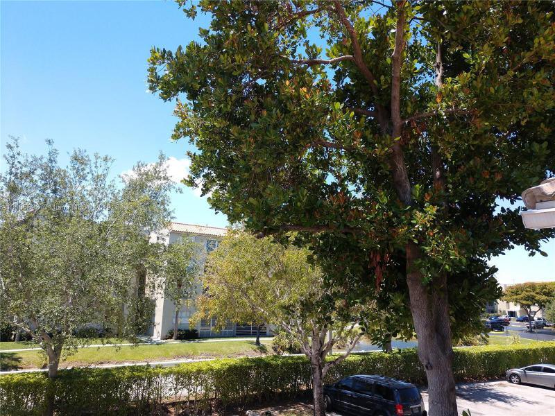 2402  Belmont Ln  Unit 2402 North Lauderdale, FL 33068-4295 MLS#A10665893 Image 17