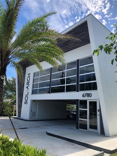 6780 SW 80th St,  Miami, FL