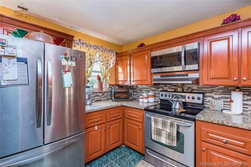 11911 NW 12th St, Pembroke Pines, FL, 33026