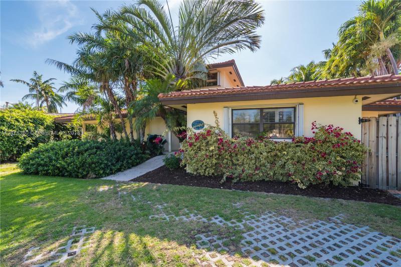 1300 Mandarin Isle, Fort Lauderdale FL 33315-1649