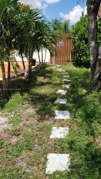 7708 NW 6th Ct , Miami, FL 33150-3207